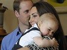 Princ William, Kate a jejich syn George na snímku, který vévodkyně označila za nejoblíbenější z turné u protinožců (Wellington, 9. dubna 2014).