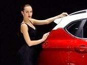 Modelky autosalonu Peking 2014