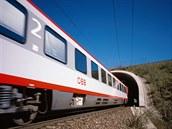 Vozy �ady Bmz dosud pou�ívají rakouské dráhy ÖBB na vlaky kategorie EC/IC, �ást...