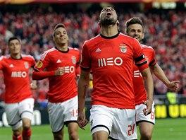 Ezequiel Garay z Benfiky Lisabon se raduje z gólu.