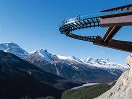 Dechberoucí vyhlídka v národním parku Jasper zvaná Glacier Skywalk.