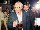Prezident V�clav Klaus oslavil vstup �eska do EU na st�edo�esk�m vrchu Blan�k....