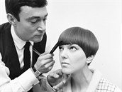 O chlapecký účes Mary Quantové se staral vyhlášený kadeřník Vidal Sassoon.