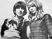 Svatba hudebníka George Harrisona a modelky Patti Boydové (v šatech od Mary...