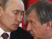 Ruský prezident Vladimir Putin a šéf ruského státního gigantu Rosněft Igor Sečin