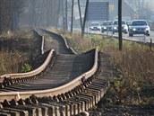 Koleje železnice mezi Novým Jičínem a Hostašovicemi připomínaly po povodni...