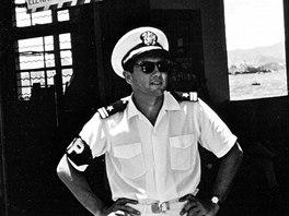 """Arnošt """"Ernest"""" Kolowrat v uniformě důstojníka amerického námořnictva v Hong"""