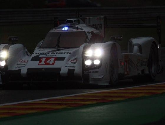 Marc Lieb jede v Porsche 919 během večerní kvalifikace závodu WEC ve Spa pro