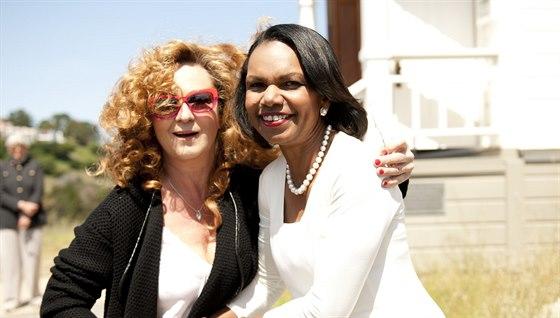 Simona Sta�ov� v tiburonsk�ch kopc�ch s b�valou ministryn� zahrani�� Condoleezzou Riceovou