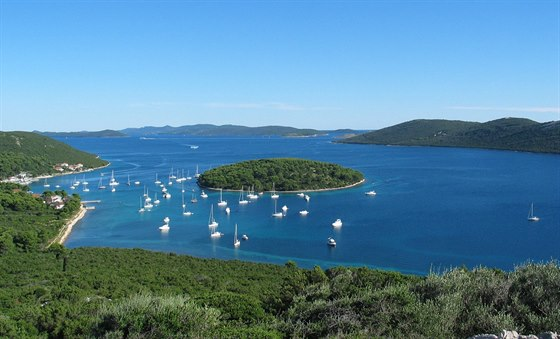 Molat, z�toka pod Brgulje s ostrovem