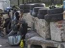 Kontrolní stanoviště proruských radikálů u Slavjansku (2. května 2014)
