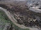 Afghánští vesničané na místě masivního sesuvu půdy v provincii Badachšán (3....