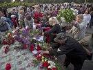 Obyvatelé Oděsy truchlí za desítky mrtvých, kteří uhořeli v budově místních...