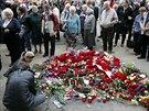 Lidé v Oděse vzpomínají na oběti bojů mezi ukrajinskými jednotkami a proruskými...