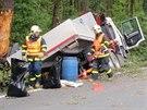 Náročný zásah hasičů při likvidaci nehody na Třinecku trval déle než šest...