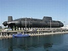 Dokončovací práce na ponorce typu S80.