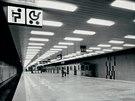 Prostory nově postaveného pražského metra ještě před zahájením provozu. Mezi...