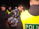 Policisté dopadli zfetovaného řidiče, který srazil policistku.