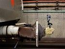 Spřáhlo je mechanismus, kterým se spojují vagóny do soupravy. V tunelu se...