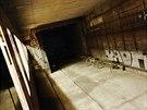 """Tudy povedou koleje do tunelu linky """"D"""". Zatím je zaslepen zdí."""