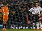 Zdrcen� fotbalist� Liverpoolu pot�, co v z�v�ru duelu na p�d� Crystal Palace...