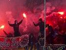 POŘÁDNÉ HORKO. Sparťanští fanoušci se v Teplicích bavili nejen fotbalem.