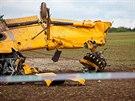 Práškovací letadlo Z-37 spadlo u Sebuče na Jaroměřsku, pilot utrpěl otřes mozku.