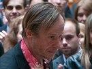 """Představitel titulní role Karel Roden byl během natáčení obklopen """"kolegy""""..."""