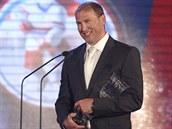 Sparťanský útočník Petr Ton získal hned tři ceny. Stal se hokejistou sezony,...