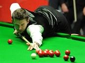 Mark Selby b�hem finále mistrovství sv�ta ve snookeru.