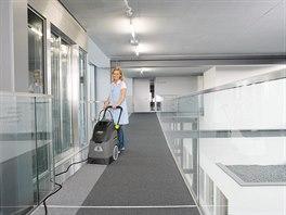 Svěřte úklid kanceláře profesionálům a získáte bonusy zdarma. Foto: KARCHER ČR