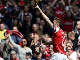 OSLAVA. Olivier Giroud  z Arsenalu jásá po gólu.