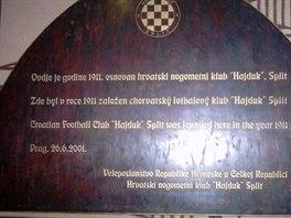 Pamětní deska v pražské pivnici U Fleků.