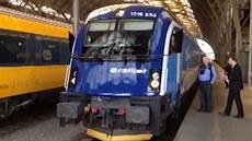 �eské dráhy p�edstavily novou vlakovou soupravu Railjet.