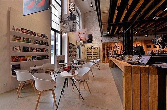 Cenu za nejlepší interiér roku 2014 získala pražská prodejna MEGAPIXEL