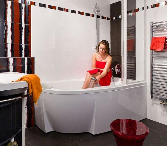 Vana Rosa 95 se šířkou pouhých 95 cm v kombinaci se sprchovou zástěnou