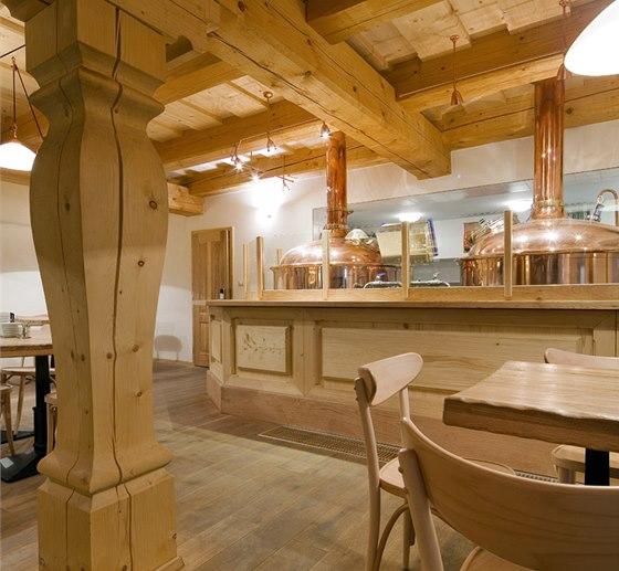 Pro milovníka piva úžasný pohled, ne? A stoly nejsou opravdu žádný umakart!