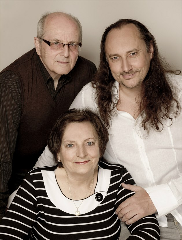 RODINA POD LUPOU: Marian Vojtko s maminkou Annou a otcem Jozefem