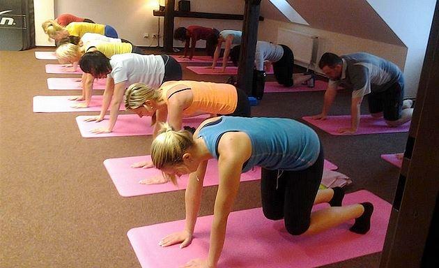 Protáhněte si tělo třeba s power jógou. Poradí vám v libereckém Fit Siluet
