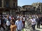 Obyvatelé Homsu se vracejí do svých domovů v centru města, odkud se stáhli...
