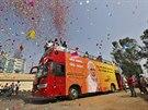 Příznivci Nárendry Módího oslavují předběžné výsledky indických voleb (16....