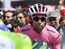 Michael Matthews čeká na start šesté etapy cyklistického Gira d'Italia.