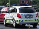 K nehodě auta městské policie a tramvaje došlo před podolskou porodnicí...