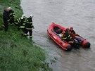 Hasiči pátrají po zmizelém vodákovi na řece Lubině.