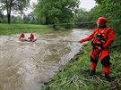 Pátrání po vodákovi na řece Lubině.