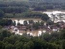 Letecké snímky zaplaveného bosenského města Orašje (18. května)