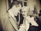 TA JE MOJE, KARLE. S otcem a Karlem Schwarzenbergem ji roku 1992 zachytil...