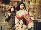 NA V�LET�. Vyrazily si s maminkou a star�� sestrou Mari� Proch�zkovou, dne�n�...