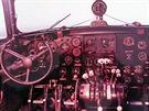 Pilotní kabina Avie Av 14FG.