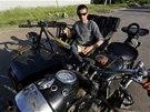 Separatisté ve Slavjansku si bojová vozidla vyrábí svépomocí. Střílet se dá i z